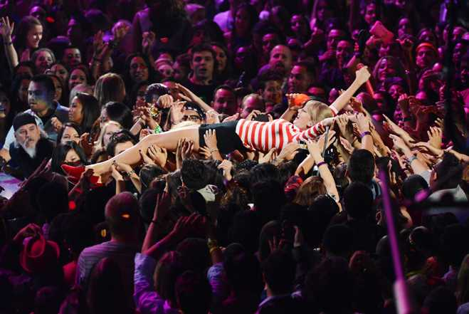 Taylor Swift We Are Never Ever Getting Back Together Vmas